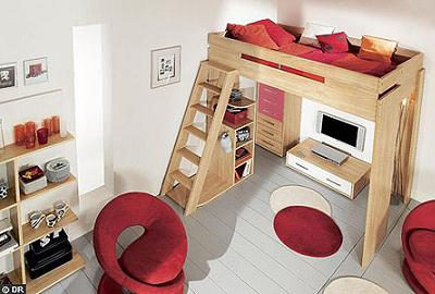 Ahorra espacio en tu cuarto con una cama alta decoraci n - Literas con escritorio debajo ...