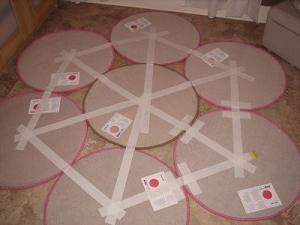 Alfombra con forma de flor a partir de alfombras ringum de - Antideslizante alfombras ikea ...