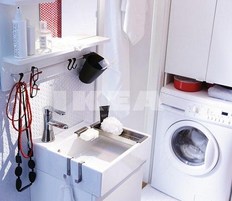 Ba os peque os de ikea la soluci n a los problemas de espacio - Instalar lavadora en bano ...