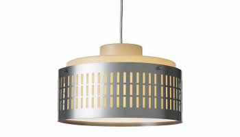 L mpara para exteriores ut ng de ikea perfecta para el porche for Ikea lamparas de pared