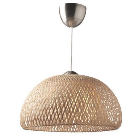 Lámpara Boja de Ikea, de bambú, ideal para el comedor